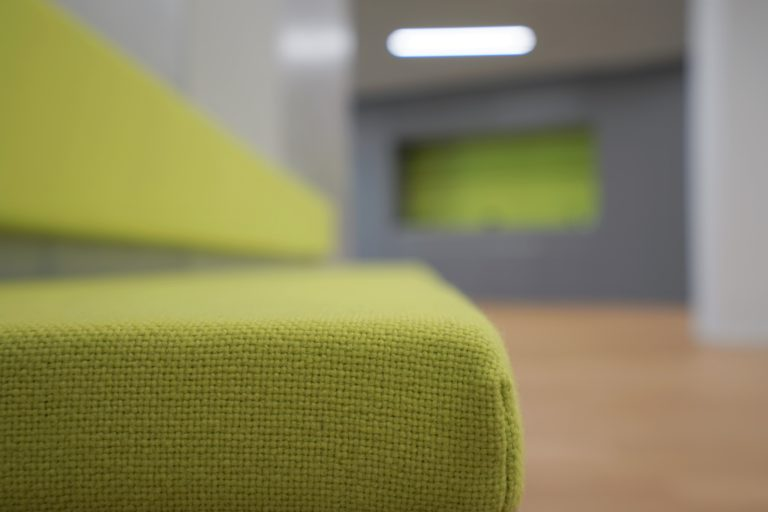grün, Polster, Sitzbank